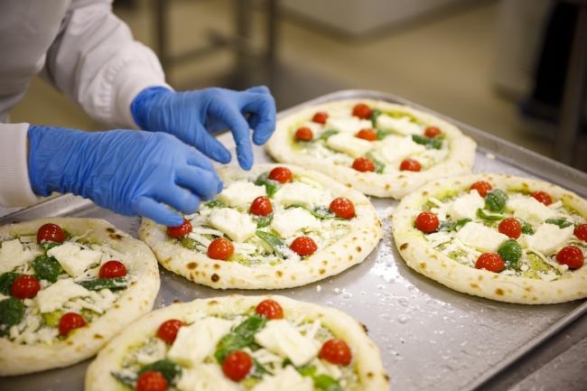 森山ナポリ緊急企画!子供から大人まで楽しめる人気のピザ4枚セットで発売開始!